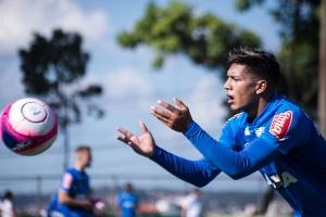 Romero dá bronca em Thiago Neves por piada com rival