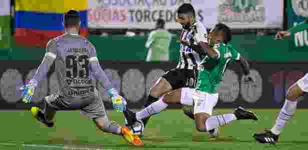 Bruno Pacheco é a novidade da Chape para encarar o Corinthians - Liamara Polli/AGIF