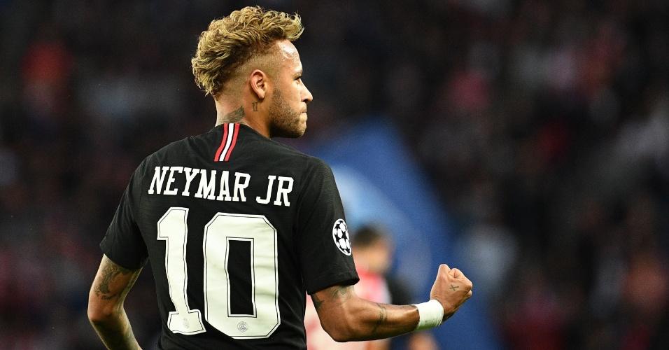 Neymar fez três gols na vitória do PSG por 6 a 1 sobre o Estrela Vermelha