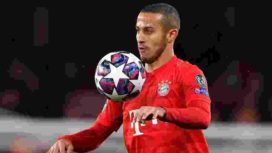 Meio-campista está desde 2013 no Bayern de Munique e deve ser anunciado pelo Liverpool - Ben STANSALL / AFP