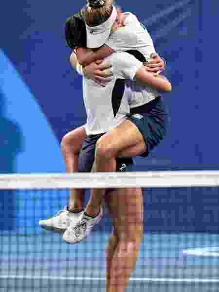 Luisa e Laura celebram vitória - Reuters - Reuters