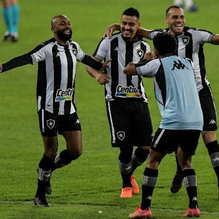 Chay comemora gol contra o Vasco - Thiago Ribeiro/AGIF