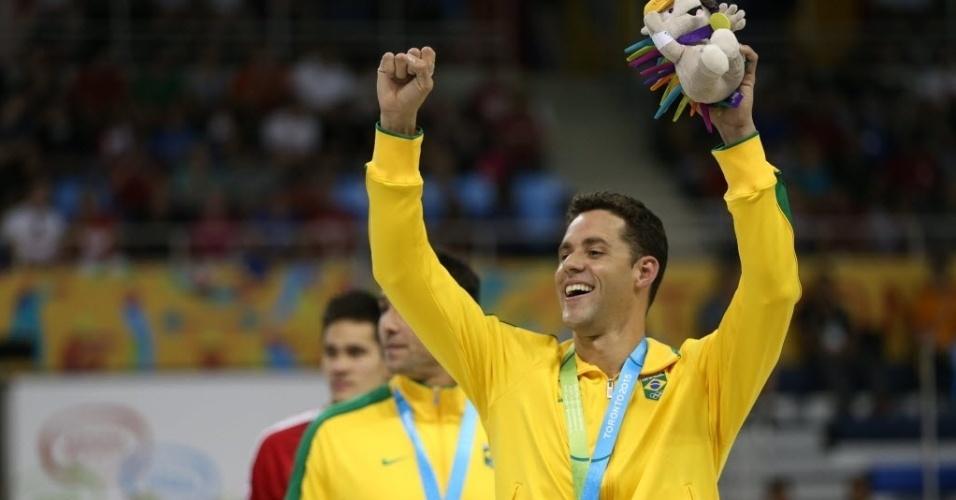 Thiago Pereira comemora medalha de bronze que lhe alçou à condição de maior medalhista da história do Brasil nos Jogos Pan-Americanos