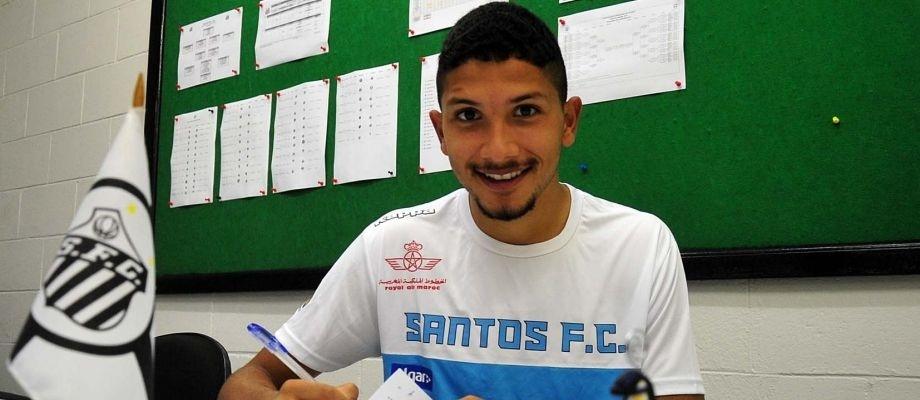 Volante Yuri assinou contrato de empréstimo com o Santos até o fim de 2017