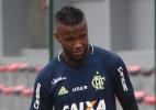 De visual novo, Vaz espera retomar boa fase no Flamengo