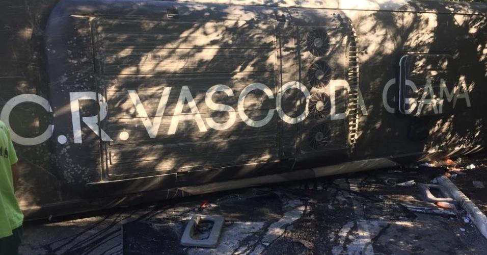 Ônibus do Vasco tombou em estrada que liga o Rio de Janeiro a Nova Friburgo