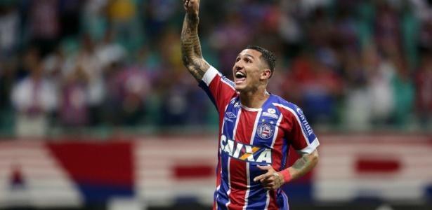 Vinícius estreou com gol no Bahia e será titular nesta quinta contra o Cruzeiro