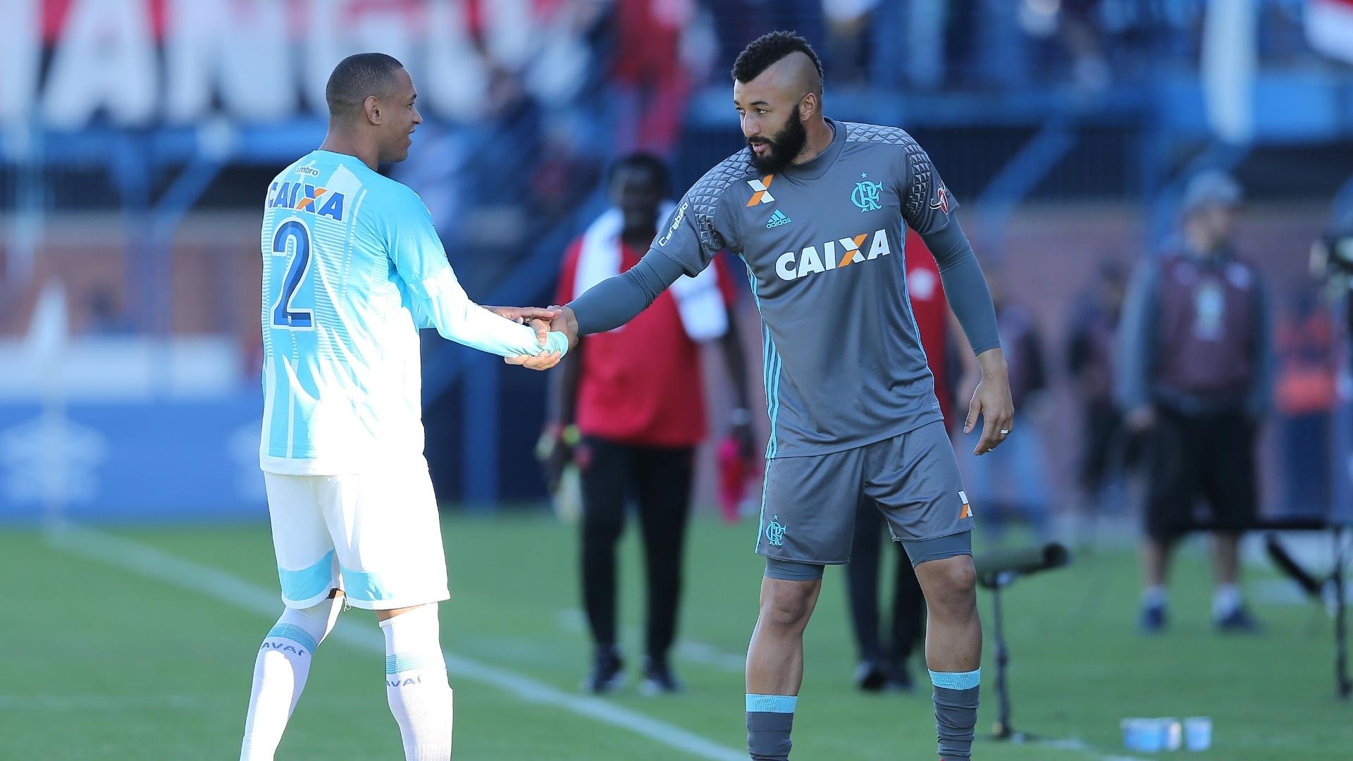 Alex Muralha começou no banco de reservas do Flamengo contra o Avaí