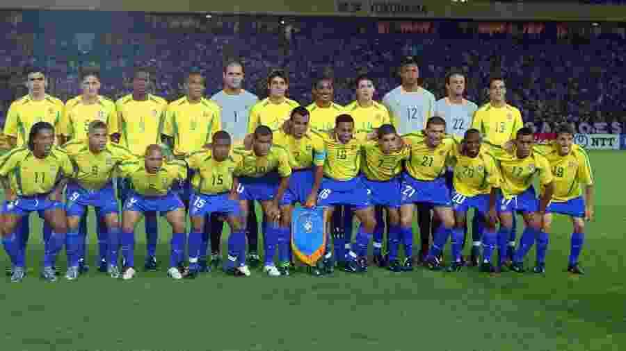 Seleção brasileira na tradicional foto do time antes da final da Copa do Mundo de 2002 - Juca Varella/Folhapress