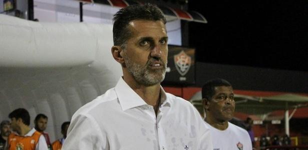 Com 5 passagens pelo Vitória, Vagner Mancini é o técnico com mais jogos pelo clube
