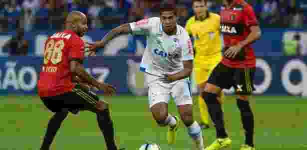 Raniel, atacante do Cruzeiro, em jogo contra o Sport - Washington Alves/Light Press/Cruzeiro