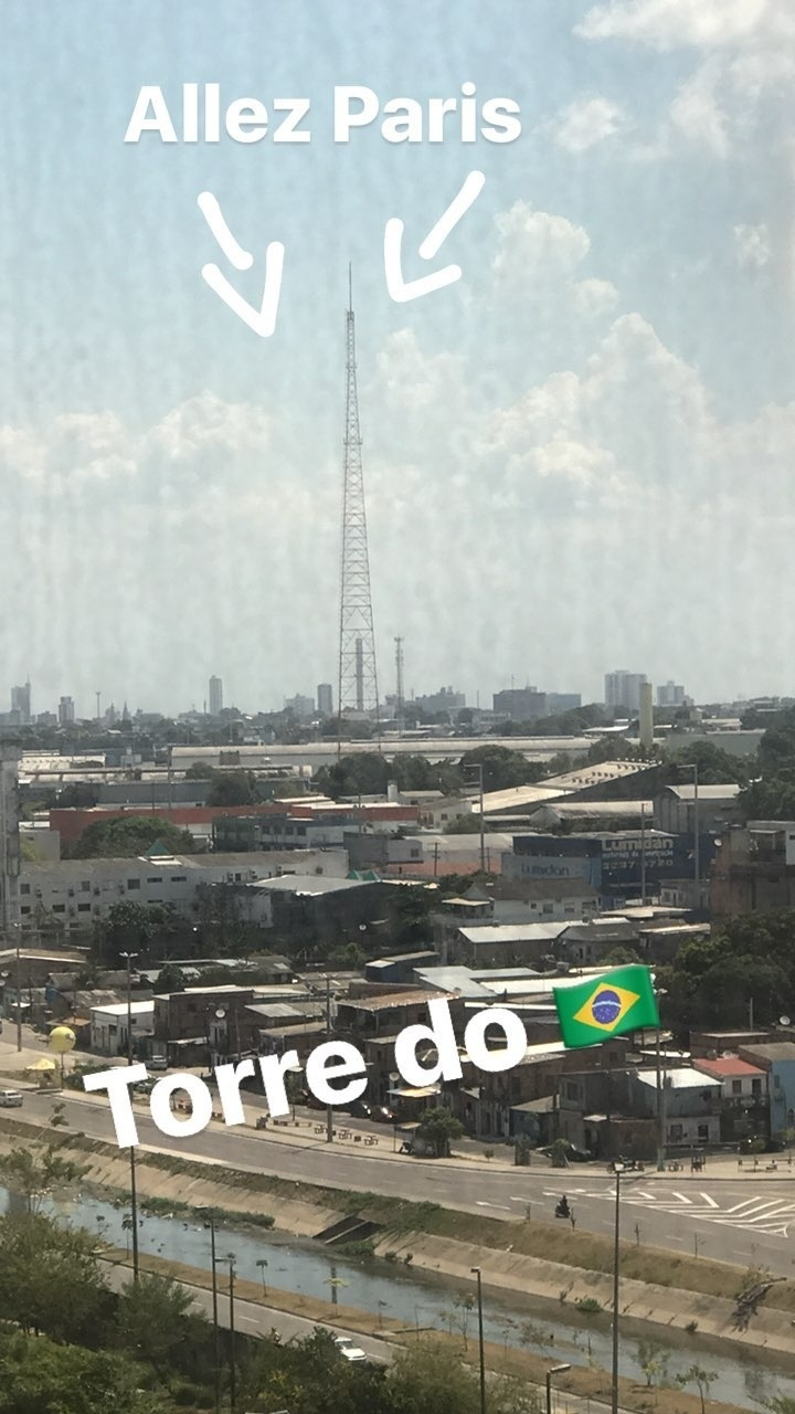 Neymar faz piada com torre em Manaus e a compara à Eiffel