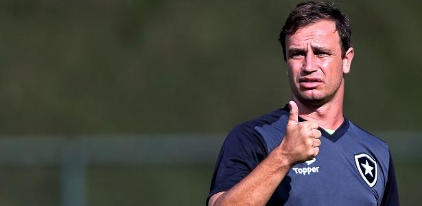 Felipe Conceição virou treinador após lesões impedirem sequência na carreira