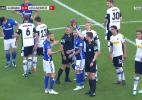 Árbitro cancela amarelo e expulsa jogador do Schalke com auxílio do VAR - beIN Sports 4