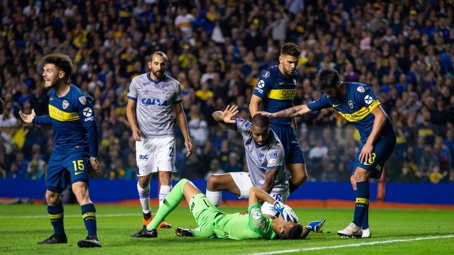 Em 2018, Dedé foi expulso contra o Boca em jogo com uso do VAR, mas teve o cartão vermelho anulado pela Conmebol - Bruno Haddad/Cruzeiro