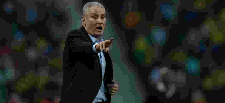 Tite dá instruções para a seleção brasileira no jogo contra o Panamá - Pedro Martins/Mowa Press