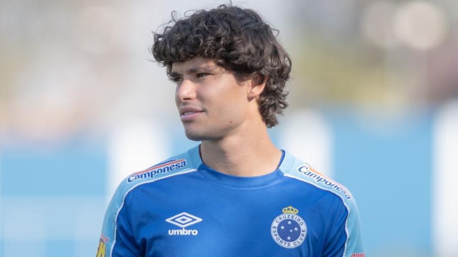 Cruzeiro não tem dinheiro para comprar o lateral e manter o alto salário de Dodô no atual elenco - Alessandra Torres/AGIF