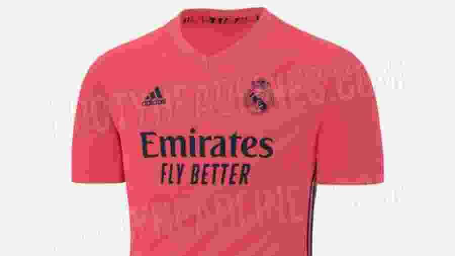 Uniforme seria rosa com detalhes em azul-marinho - Footy Headlines/Reprodução