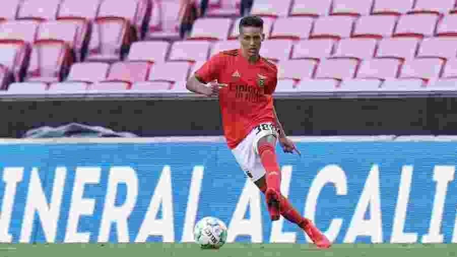 Pedrinho, atacante do Benfica, em amistoso contra o Rennes no Estádio da Luz, em Lisboa - Gualter Fatia/Getty Images