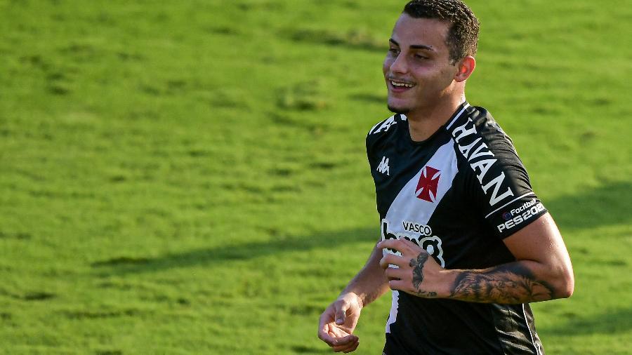 Bruno Gomes, do Vasco, comemora gol em partida contra o Resende, pelo Campeonato Carioca - Thiago Ribeiro/AGIF
