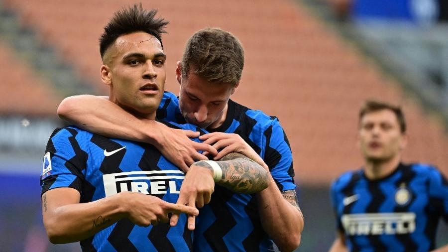 Lautaro Martínez comemorando seu gol pela Inter de Milão contra a Sampdoria - MIGUEL MEDINA / AFP