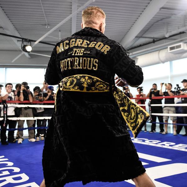 Conor McGregor, durante treino aberto para enfrentar Floyd Mayweather