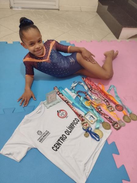Sophia Carvalho já tem uma coleção de medalhas na ginástica artística - Arquivo Pessoal