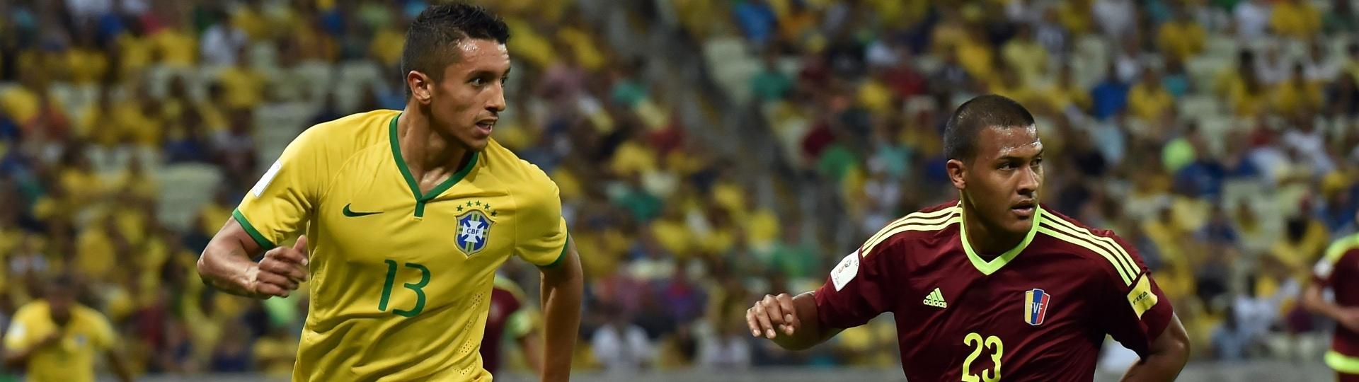 Marquinhos disputa a bola para o Brasil contra a Venezuela, no Castelão