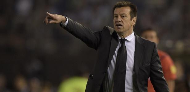 Brasil de Dunga terá confronto direto com o Uruguai nas Eliminatórias