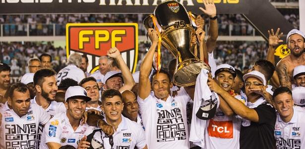 Santos levanta a taça de campeão paulista de 2016