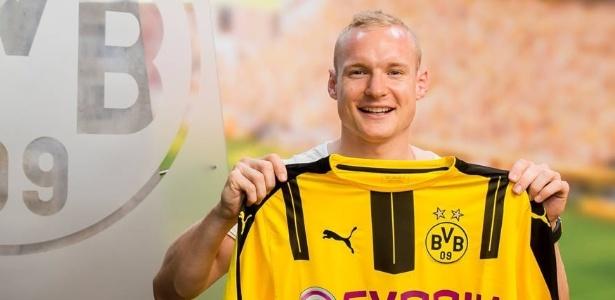 Sebastian Rode fechou contrato com o Dortmund até 2020