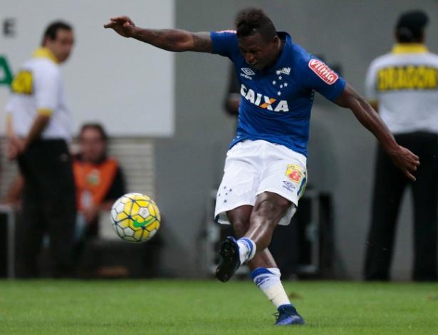 O atacante colombiano Riascos já não é mais jogador do Cruzeiro