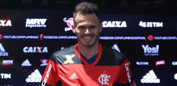 Renê terá grande oportunidade no time titular do Flamengo