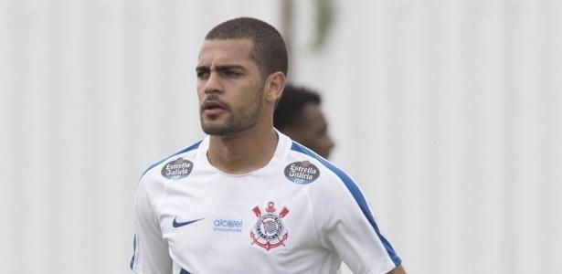 Clayton pode estrear pelo Corinthians no próximo domingo