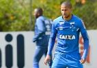 Com nova zaga, Cruzeiro tem queda de 10 para 4 gols sofridos em cinco jogos