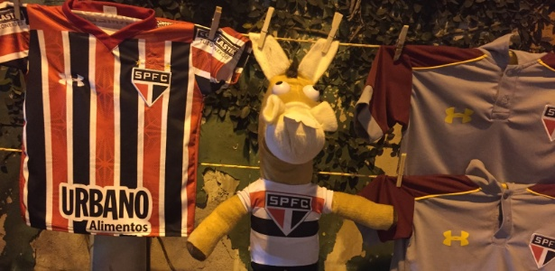 Resultado de imagem para Cavalinhos do Fantástico viram sucesso de vendas em estádios do Brasileirão.