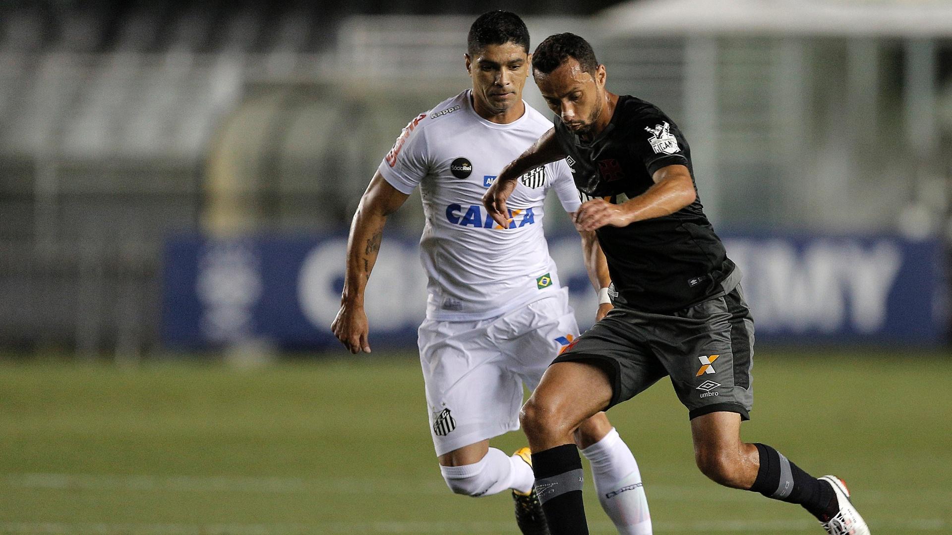 Renato e Nenê disputam bola em Santos e Vasco pelo Campeonato Brasileiro
