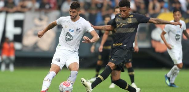 Gustavo Henrique saiu bastante para o jogo no amistoso contra o Corinthians - Alex Silva/Estadão Conteúdo