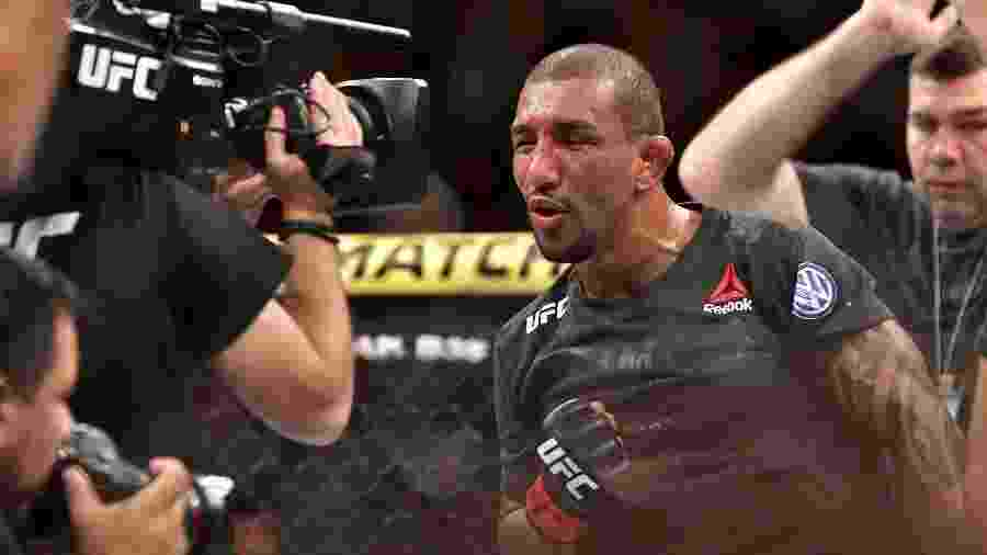 Raoni Barcelos comemora vitória sobre Carlos Huachin no UFC 237, realizado no Rio de Janeiro - Leandro Bernardes Lopes/Ag. Fight