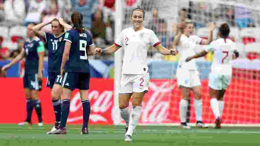 Ellen White comemora gol da Inglaterra contra a Escócia - Hannah Peters - FIFA/FIFA via Getty Images