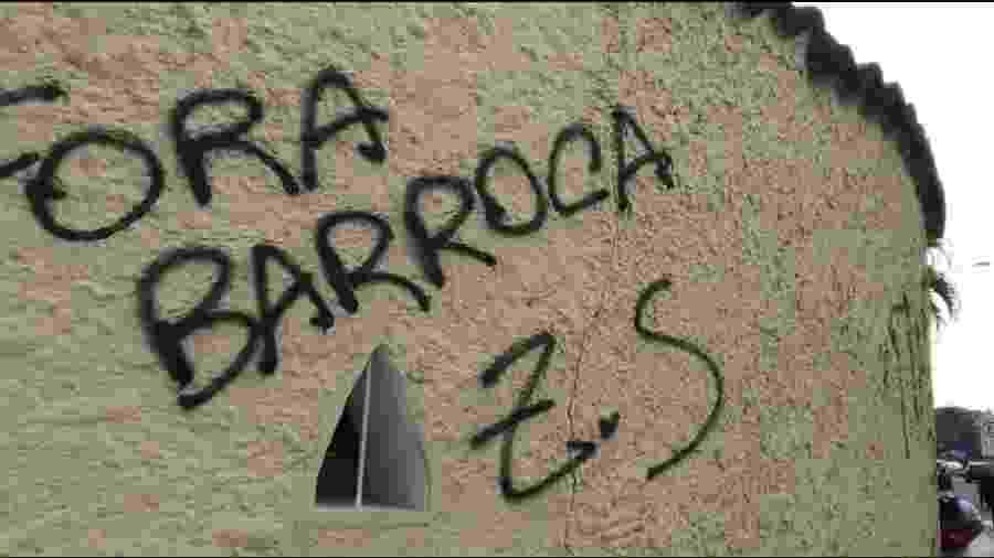 Torcedores do Botafogo picharam sede e exigiram demissão de técnico Eduardo Barroca - Reprodução/Twitter