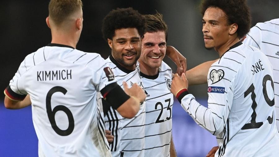 Jogadores da Alemanha comemoram gol contra a Armênia - CHRISTOF STACHE / AFP