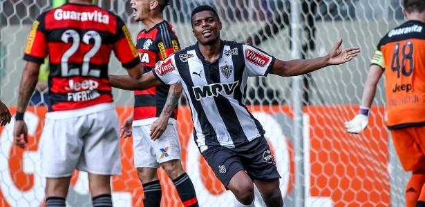 Jemerson comemora o primeiro de seus dois gols sobre o Flamengo nos 4 a 1 de 2015 - Bruno Cantini/Clube Atlético Mineiro