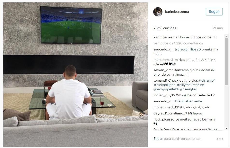 Benzema assiste do sofá à estreia da França na Eurocopa