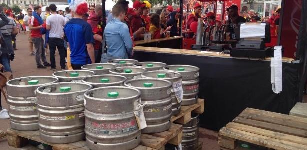 Cerveja não foi vetada aos torcedores na cidade de Lyon