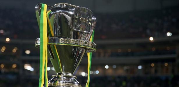 Troféu da Copa do Brasil; torneio vai promover debate sobre mundo digital -  Friedemann Vogel/Getty Images