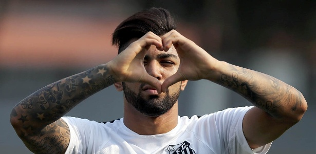 Gabigol se despediu do Santos no jogo do último domingo, contra o Figueirense