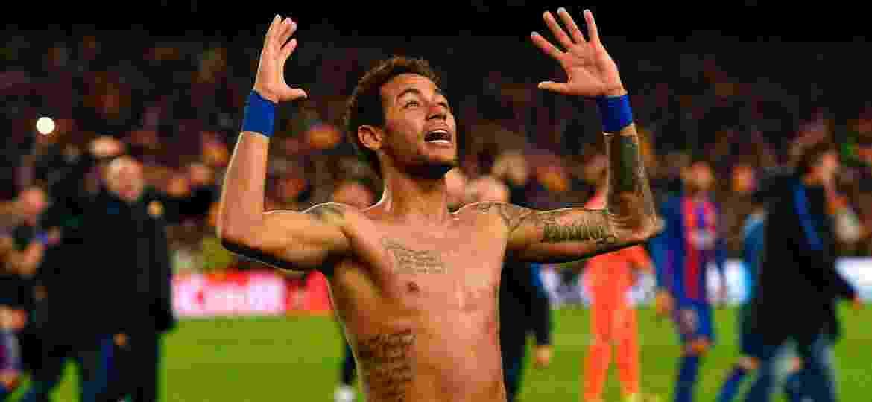 Neymar no 6 a 1 contra o PSG, pela Liga dos Campeões; atacante está na mira dos franceses de novo - AFP PHOTO / LLUIS GENE