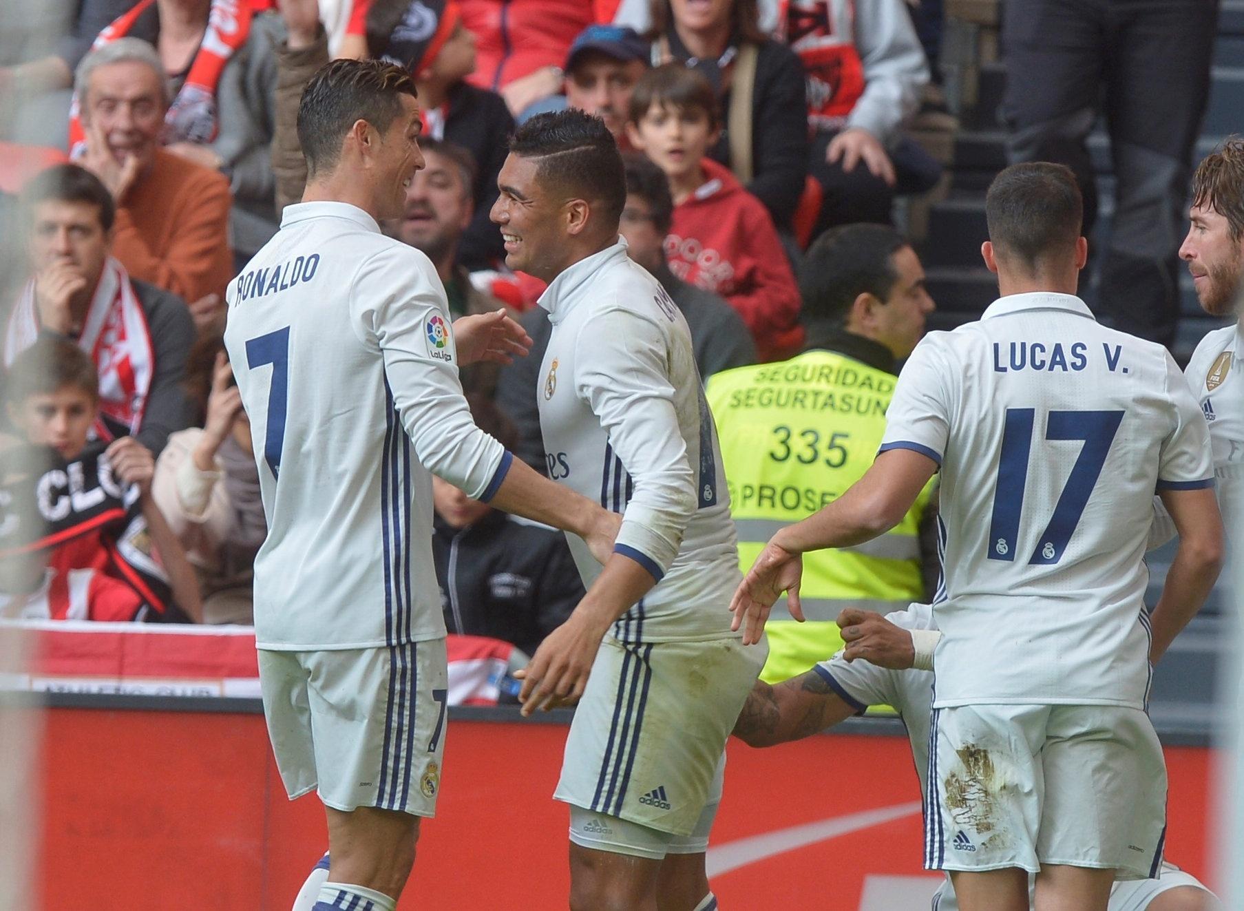 Casemiro comemora gol para o Real Madrid contra o Athletic Bilbao