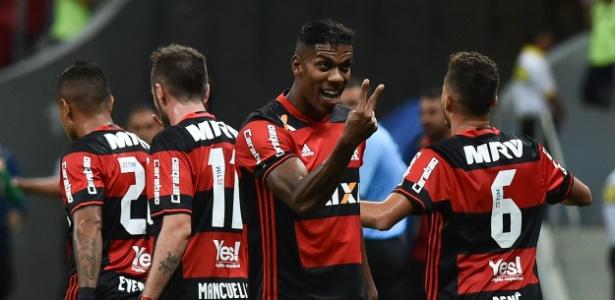 Berrío comemora gol do Flamengo contra o Vasco